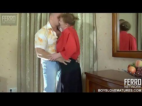 Moeder wordt gedwongen tot seks met haar eigen zoon